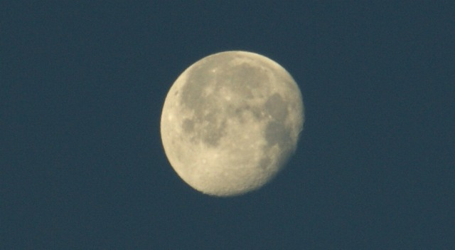 der siebte Mond, in septima mensis, settima luna, the seventh moon, القمر السابع